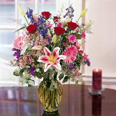 Rosas, Lilis y Gerberas en Jarrón